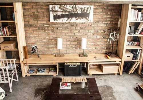Loft con mobiliario reciclado for Muebles con cosas recicladas