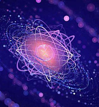 De los átomos a la célula