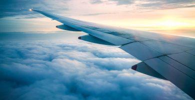 Vista el ala de un avión