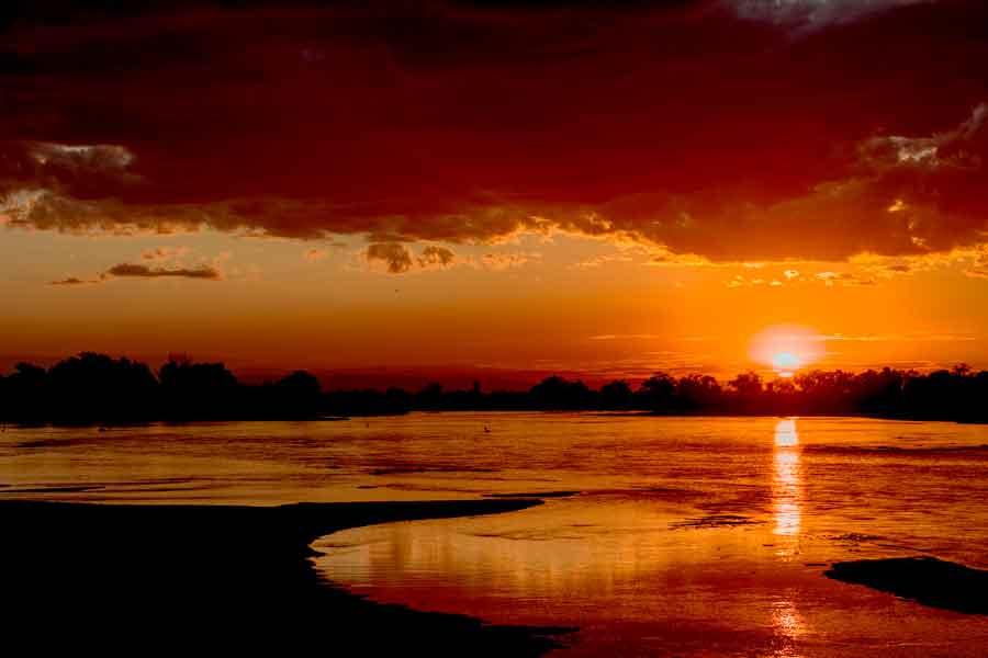 Atardecer sobre el río Congo