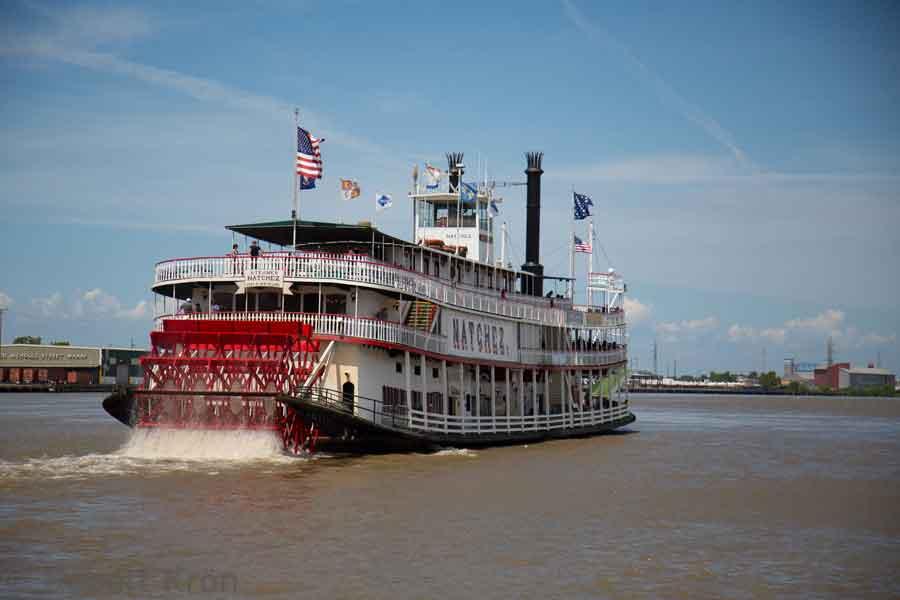 Antiguo barco a vapor