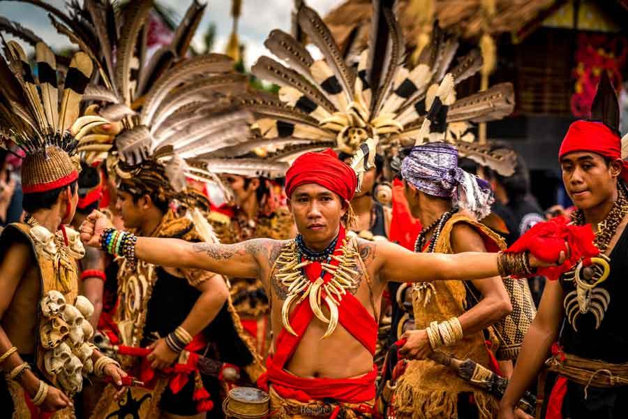 La isla de Borneo - Dayaks